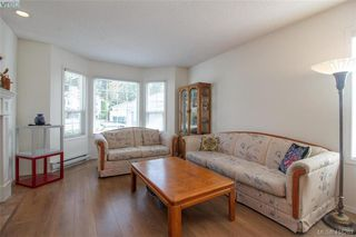 Photo 2: 8 709 Luscombe Pl in VICTORIA: Es Esquimalt Single Family Detached for sale (Esquimalt)  : MLS®# 825765