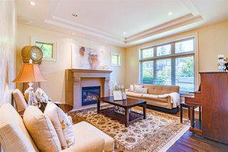 Photo 3: 1005 MELBOURNE Avenue in North Vancouver: Edgemont House for sale : MLS®# R2461335
