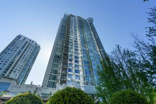 "Main Photo: 3501 198 AQUARIUS Mews in Vancouver: Yaletown Condo for sale in ""Aquarius II"" (Vancouver West)  : MLS®# R2466854"