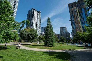 "Photo 13: 1602 1225 RICHARDS Street in Vancouver: Downtown VW Condo for sale in ""Eden"" (Vancouver West)  : MLS®# R2479523"