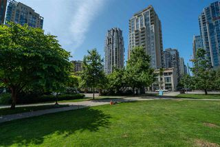 "Photo 12: 1602 1225 RICHARDS Street in Vancouver: Downtown VW Condo for sale in ""Eden"" (Vancouver West)  : MLS®# R2479523"
