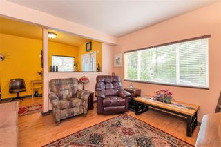 Photo 3: 3623 PANDORA Street in Vancouver: Hastings Sunrise House for sale (Vancouver East)  : MLS®# R2499340