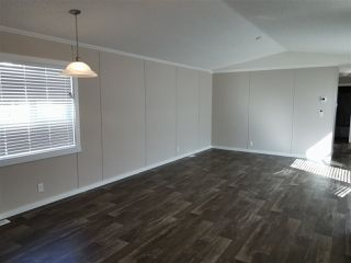Photo 5: 10464 98 Street: Taylor Manufactured Home for sale (Fort St. John (Zone 60))  : MLS®# R2499625