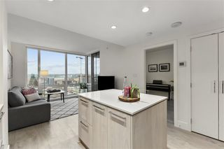 """Photo 4: 804 680 SEYLYNN Crescent in North Vancouver: Lynnmour Condo for sale in """"Compass at Seylynn Village"""" : MLS®# R2512947"""