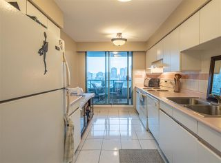 "Photo 10: 501 888 HAMILTON Street in Vancouver: Downtown VW Condo for sale in ""ROSEDALE GARDEN"" (Vancouver West)  : MLS®# R2518975"