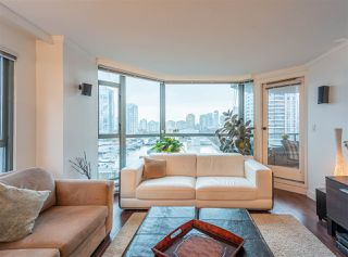 "Photo 9: 501 888 HAMILTON Street in Vancouver: Downtown VW Condo for sale in ""ROSEDALE GARDEN"" (Vancouver West)  : MLS®# R2518975"