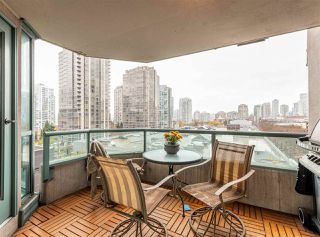 "Photo 3: 501 888 HAMILTON Street in Vancouver: Downtown VW Condo for sale in ""ROSEDALE GARDEN"" (Vancouver West)  : MLS®# R2518975"