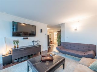 "Photo 5: 501 888 HAMILTON Street in Vancouver: Downtown VW Condo for sale in ""ROSEDALE GARDEN"" (Vancouver West)  : MLS®# R2518975"