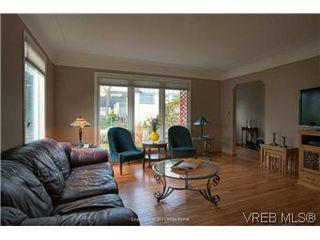 Photo 3: 1625 Yale St in VICTORIA: OB North Oak Bay House for sale (Oak Bay)  : MLS®# 567750