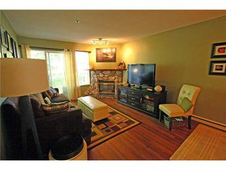 """Photo 2: 20 12449 191ST Street in Pitt Meadows: Mid Meadows Townhouse for sale in """"WINDSOR CROSSING"""" : MLS®# V908993"""
