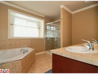 Photo 7: 5969 168A Street in Surrey: Cloverdale BC House  (Cloverdale)  : MLS®# F1122737