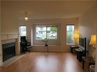 Photo 2: 8418 SELKIRK ST in Vancouver: Marpole House 1/2 Duplex for sale (Vancouver West)  : MLS®# V1010715