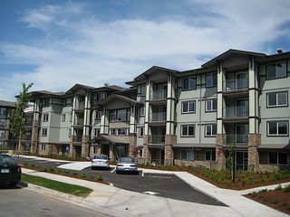 "Photo 1: 410 2038 SANDALWOOD Crescent in Abbotsford: Central Abbotsford Condo for sale in ""The Element"" : MLS®# F1404533"
