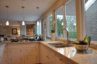 Photo 14: 6309 MACDONALD Street in Vancouver West: Kerrisdale Home for sale ()  : MLS®# V808481