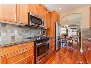 Photo 2: 24 10520 McDonald Park Rd in NORTH SAANICH: NS Sandown Row/Townhouse for sale (North Saanich)  : MLS®# 669691