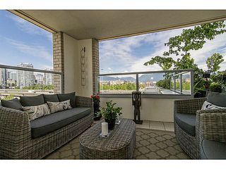 "Photo 8: 606 125 MILROSS Avenue in Vancouver: Mount Pleasant VE Condo for sale in ""Creekside at Citygate"" (Vancouver East)  : MLS®# V1069527"
