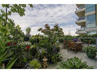 "Photo 4: 606 125 MILROSS Avenue in Vancouver: Mount Pleasant VE Condo for sale in ""Creekside at Citygate"" (Vancouver East)  : MLS®# V1069527"
