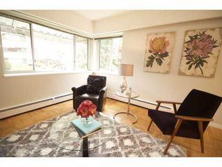 "Photo 3: 201 2469 CORNWALL Street in Vancouver: Kitsilano Condo for sale in ""DORSET HOUSE"" (Vancouver West)  : MLS®# V1100362"