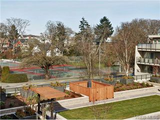 Photo 2: 307 1419 Stadacona Ave in VICTORIA: Vi Fernwood Condo for sale (Victoria)  : MLS®# 694240