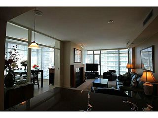 "Photo 7: 1002 1680 BAYSHORE Drive in Vancouver: Coal Harbour Condo for sale in ""BAYSHORE TOWER"" (Vancouver West)  : MLS®# V1111737"