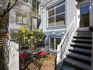 """Photo 3: 5 877 W 7TH Avenue in Vancouver: Fairview VW Townhouse for sale in """"Emerald Court"""" (Vancouver West)  : MLS®# V1119210"""