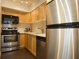 """Photo 11: 5 877 W 7TH Avenue in Vancouver: Fairview VW Townhouse for sale in """"Emerald Court"""" (Vancouver West)  : MLS®# V1119210"""