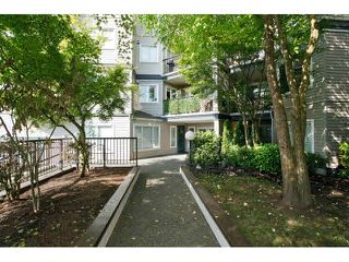 "Photo 2: 403 5759 GLOVER Road in Langley: Langley City Condo for sale in ""COLLEGE COURT"" : MLS®# F1442596"