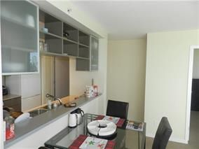 """Photo 4: 702 939 EXPO Boulevard in Vancouver: Yaletown Condo for sale in """"MAX"""" (Vancouver West)  : MLS®# R2006769"""