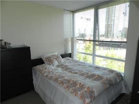 """Photo 11: 702 939 EXPO Boulevard in Vancouver: Yaletown Condo for sale in """"MAX"""" (Vancouver West)  : MLS®# R2006769"""
