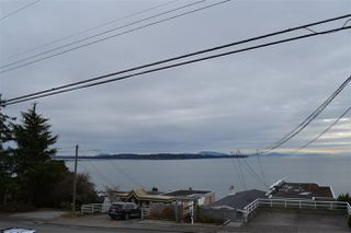 Photo 9: 1010 DOLPHIN Street: White Rock House for sale (South Surrey White Rock)  : MLS®# R2032294