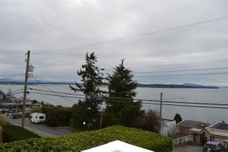 Photo 3: 1010 DOLPHIN Street: White Rock House for sale (South Surrey White Rock)  : MLS®# R2032294