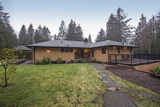 Main Photo: 1373 CHINE Crescent in Coquitlam: Harbour Chines House for sale : MLS®# R2034984