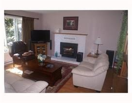 Photo 2: 988 FIRCREST Road in Gibsons: Gibsons & Area House for sale (Sunshine Coast)  : MLS®# R2048796