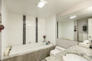 "Photo 13: 401 1675 HORNBY Street in Vancouver: Yaletown Condo for sale in ""SEA WALK SOUTH"" (Vancouver West)  : MLS®# R2066164"