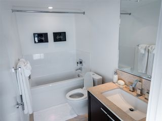 "Photo 10: 1407 1320 CHESTERFIELD Avenue in North Vancouver: Central Lonsdale Condo for sale in ""THE VISTA"" : MLS®# R2108506"