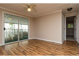 """Photo 13: 15 1640 162 Street in Surrey: King George Corridor Manufactured Home for sale in """"CHERRY BROOK PARK"""" (South Surrey White Rock)  : MLS®# R2145736"""