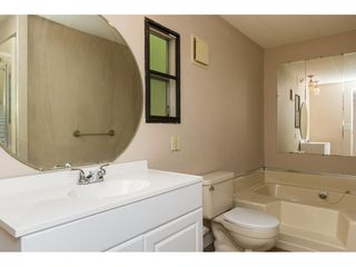 """Photo 15: 15 1640 162 Street in Surrey: King George Corridor Manufactured Home for sale in """"CHERRY BROOK PARK"""" (South Surrey White Rock)  : MLS®# R2145736"""