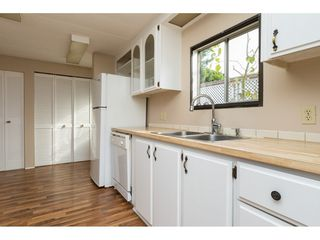"""Photo 9: 15 1640 162 Street in Surrey: King George Corridor Manufactured Home for sale in """"CHERRY BROOK PARK"""" (South Surrey White Rock)  : MLS®# R2145736"""