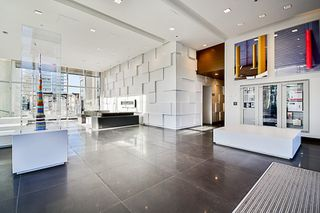 """Photo 11: 1307 6461 TELFORD Avenue in Burnaby: Metrotown Condo for sale in """"METROPLACE"""" (Burnaby South)  : MLS®# R2205017"""