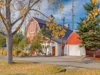 Photo 32: 13 SHAWGLEN Court SW in Calgary: Shawnessy House for sale : MLS®# C4142331