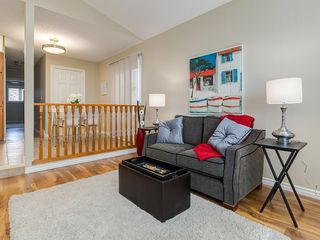 Photo 5: 13 SHAWGLEN Court SW in Calgary: Shawnessy House for sale : MLS®# C4142331