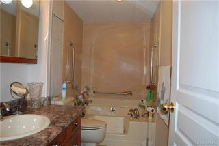 Photo 11: 34 1498 Admirals Rd in VICTORIA: VR Glentana Manufactured Home for sale (View Royal)  : MLS®# 774546