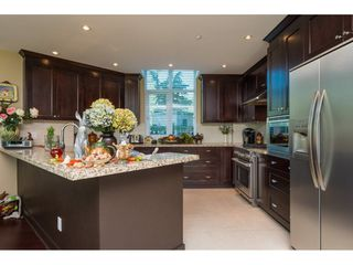"Photo 8: 104 14824 NORTH BLUFF Road: White Rock Condo for sale in ""The BELAIRE"" (South Surrey White Rock)  : MLS®# R2230178"