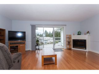 """Photo 5: 4 33123 GEORGE FERGUSON Way in Abbotsford: Central Abbotsford Townhouse for sale in """"The Britten"""" : MLS®# R2238767"""