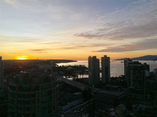 "Photo 15: 2607 1351 CONTINENTAL Street in Vancouver: Downtown VW Condo for sale in ""Maddox"" (Vancouver West)  : MLS®# R2240784"