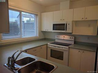 Photo 11: 103 3215 Rutledge Street in VICTORIA: SE Quadra Condo Apartment for sale (Saanich East)  : MLS®# 388278