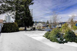 Photo 3: 702 REGAN Avenue in Coquitlam: Coquitlam West House for sale : MLS®# R2245687