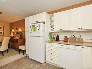 Photo 10: 403 1034 Johnson Street in VICTORIA: Vi Downtown Condo Apartment for sale (Victoria)  : MLS®# 389474