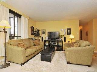 Photo 2: 403 1034 Johnson Street in VICTORIA: Vi Downtown Condo Apartment for sale (Victoria)  : MLS®# 389474