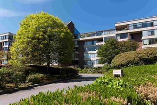 """Photo 2: 204 2101 MCMULLEN Avenue in Vancouver: Quilchena Condo for sale in """"Arbutus Village"""" (Vancouver West)  : MLS®# R2254182"""